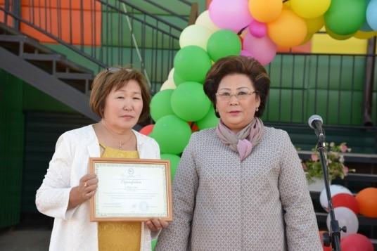 На открытии нового корпуса детского сада с министром образования РС (Я) Ф. В. Габышевой